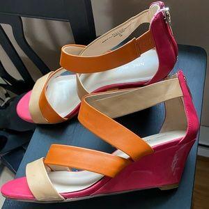 Nine West pink, orange tan heel size 7. Like NEW